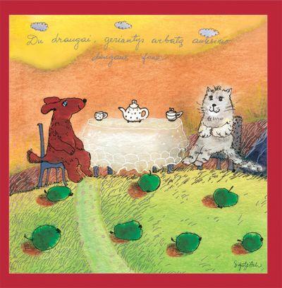 Du draugai, geriantys arbatą auksinio dangaus fone